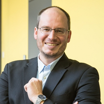Prof. Dr. Simon Thiele